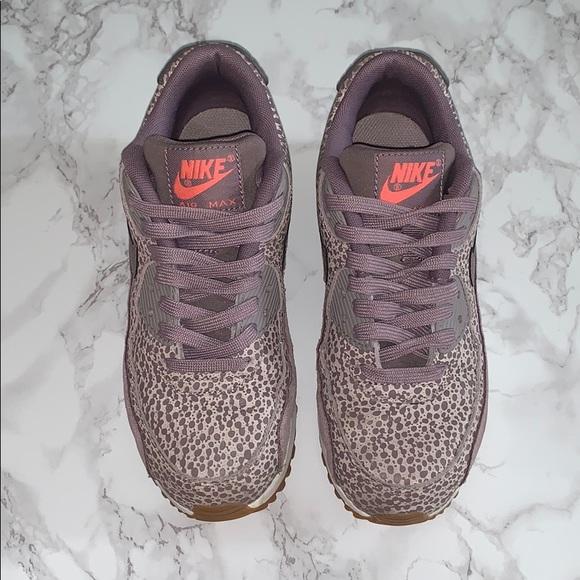 sneakers for cheap cb367 3f57e Pre Owned Nike Women s Wmns Air Max 90 PREM, 5 US.  M 5c7458cb03087c2d4bf5b8e3